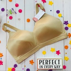 38D, NWT Cacique Lightly Lined Lounge Bra